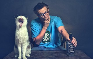 Situations-man-cat-win-smoke-funny-background_2